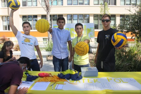 Club Day Gathers Student Interest