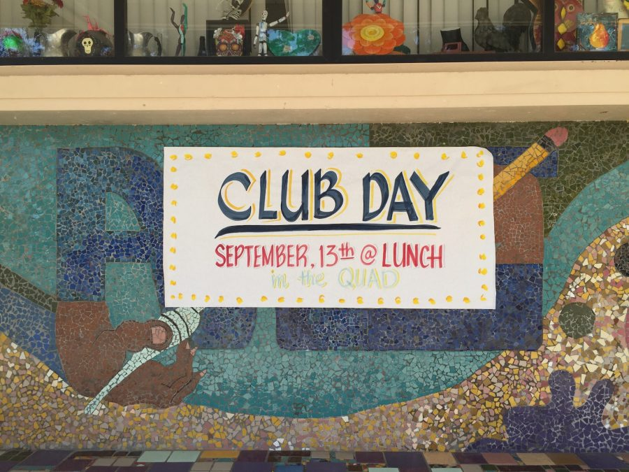 Club+day+poster+hanging+outside+the+art+room+%28Marelyn+Aguirre%2FLion+Tales%29