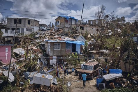 Puerto Rico todavía en la oscuridad y sin agua