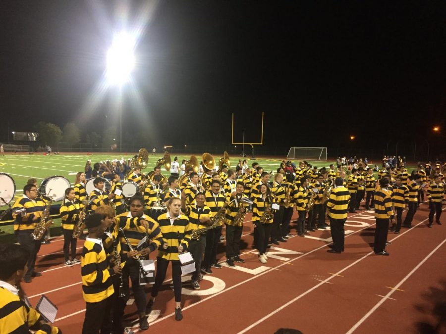 Lincoln's Pepband performing at the football field at the half time break of the first home game 2018 at September 21 (Jennifer Schwarz/Lincoln Lion Tales).