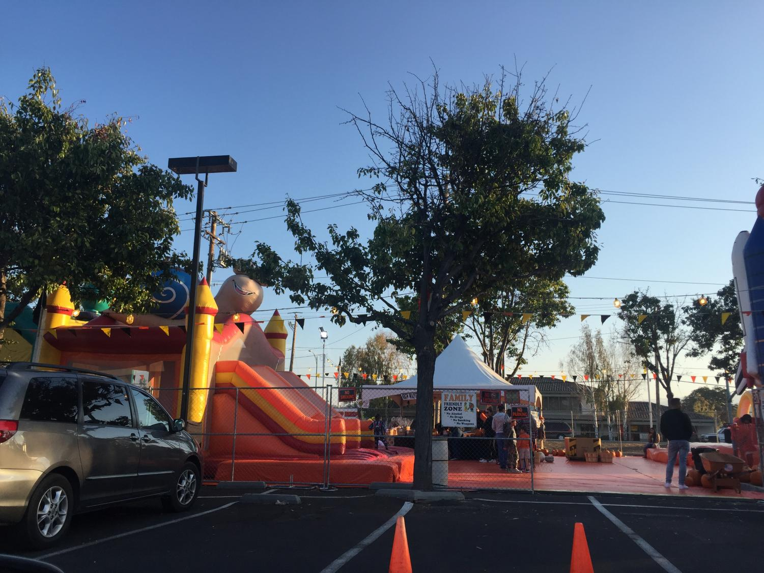 A bounce house at the pumpkin patch off of Blossom Hill Ave. in San Jose on October 22, 2018. (Isabel Mercado / Lincoln Lion Tales)