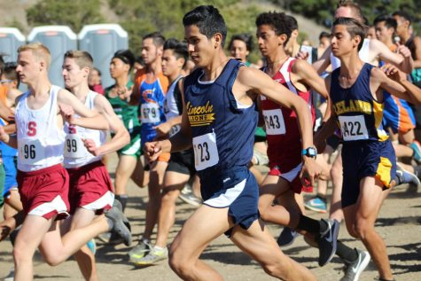 Omar Piña, #23, runs in the BVAL League Finals at Crystal Springs on Monday October 29th. (Jeffrey Nisihura/ For Lincoln Lion Tales)