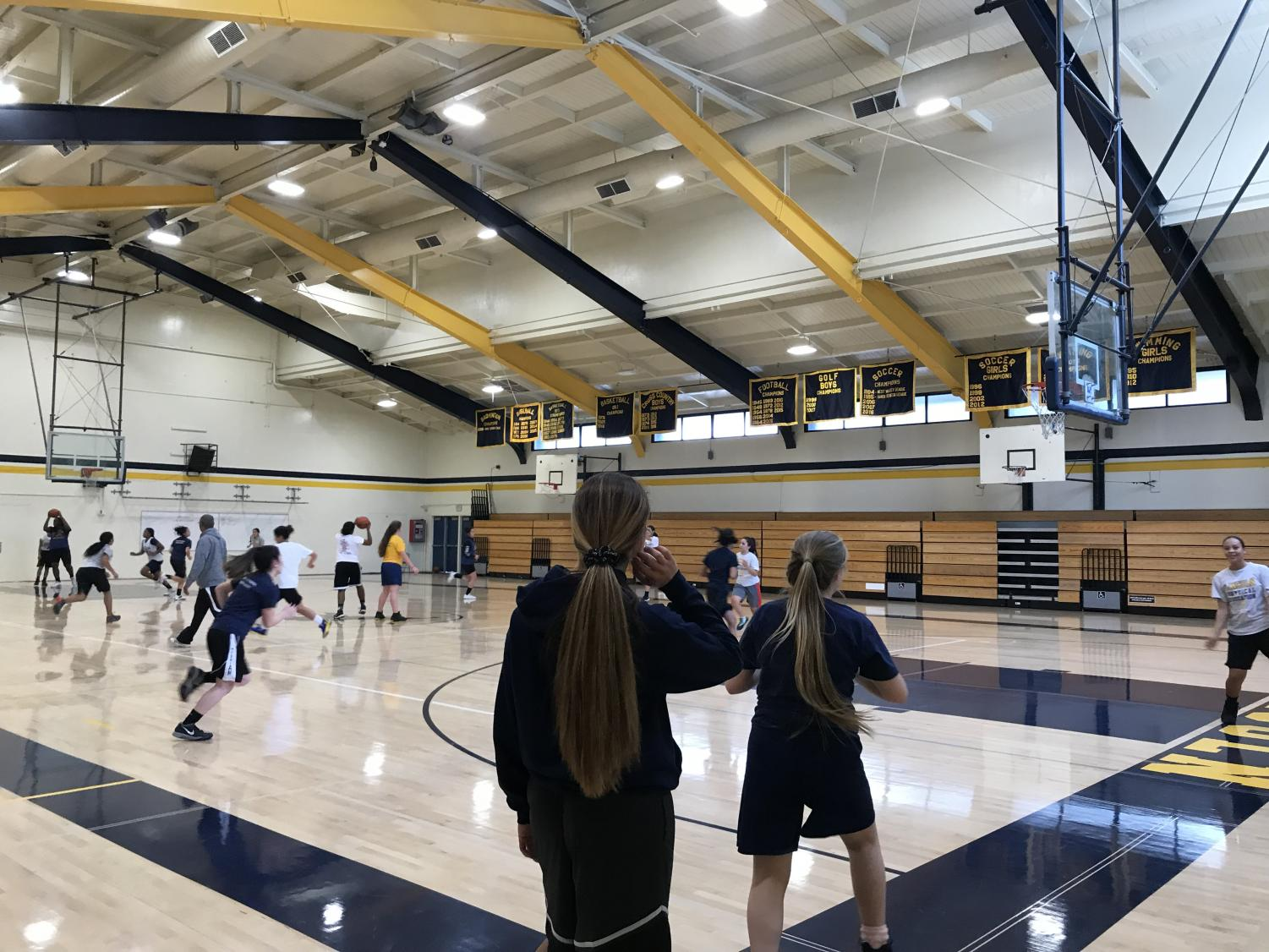 Girls basketball team practicing on a Monday afternoon, December 3, 2018. (Lincoln Lion Tales/ Anjanai Vallez).