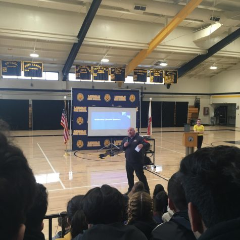 Principal Hewitson starting the assembly presentation in front of all the Seniors in the Main Gym. The assembly took place on January 9th, 2019. (Ernesto Garcia/Lincoln Lion Tales)