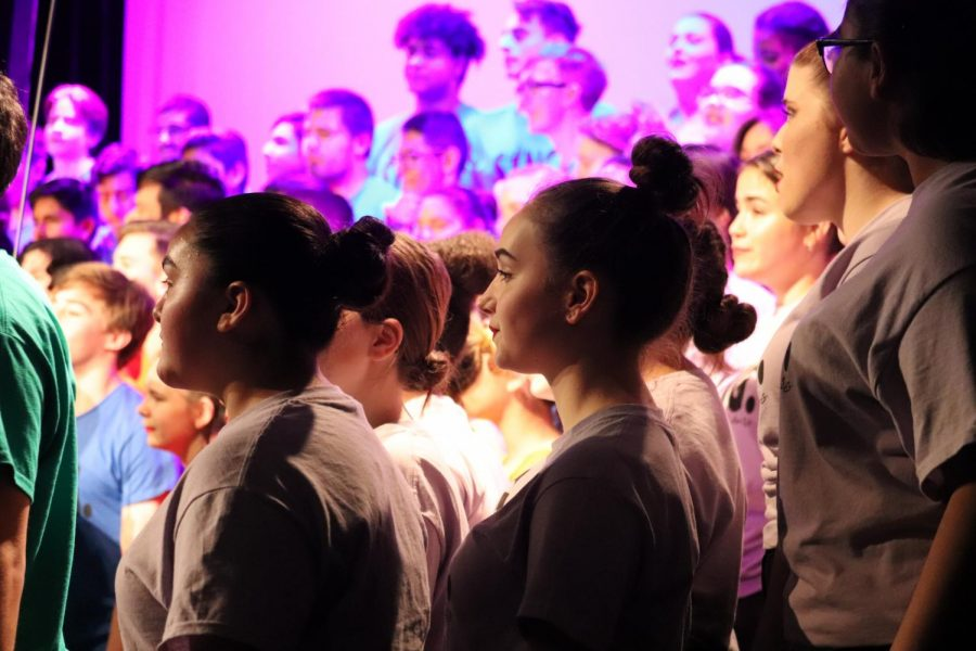 Lincoln singers performing for SING! (Jeffrey Nisihura for Lion Tales)