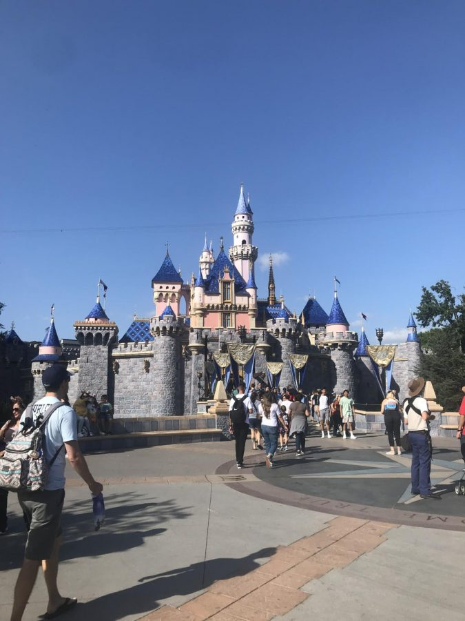 The Sleeping Beauty Castle in Disneyland During This Fall Break (Tabatha Menten/Lincoln Lion Tales)